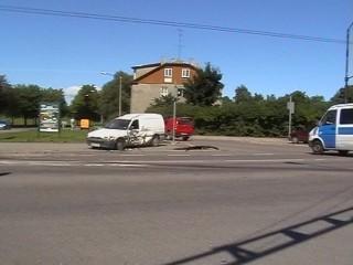03.august kell 11.45 Tehnika ja Luise tänava ristmik