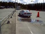Viga slaalomis - auto üle valge joone